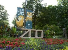 Smithsonian National Zoo entrance with flowers