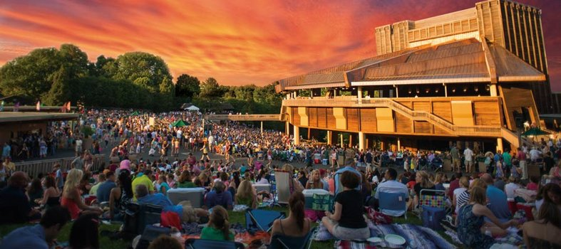 Pack a picnic for a warm weather performance at Wolf Trap