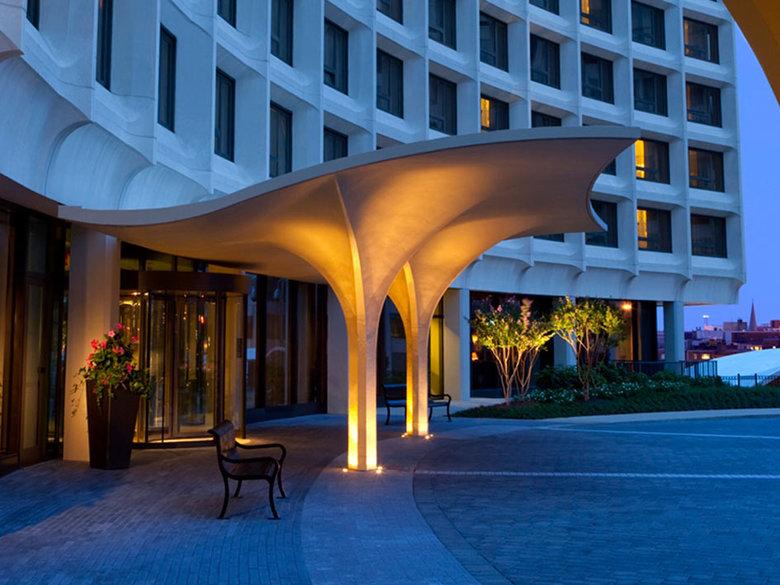 Washington Hilton Entrance