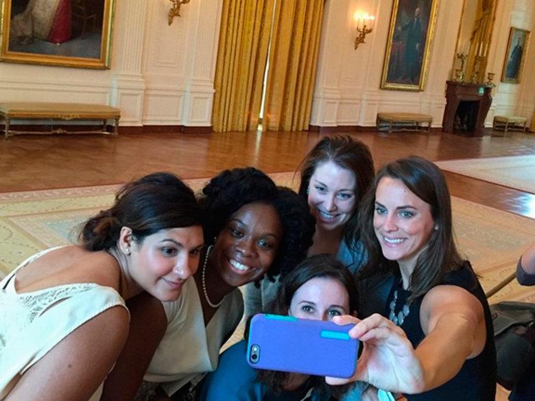 white house tour selfie